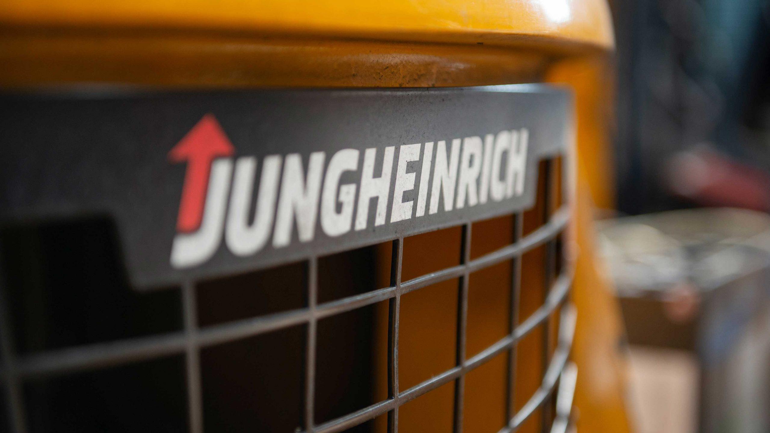 TRAFIK Bremen  - gebrauchte Jungheinrich Gabelstapler & Lagertechnik!